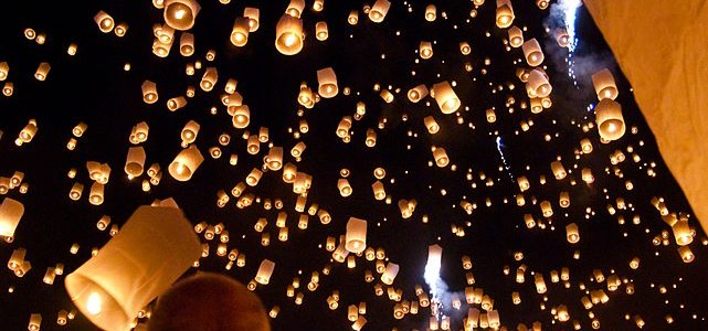 Vypouštění lampiónů štěstí